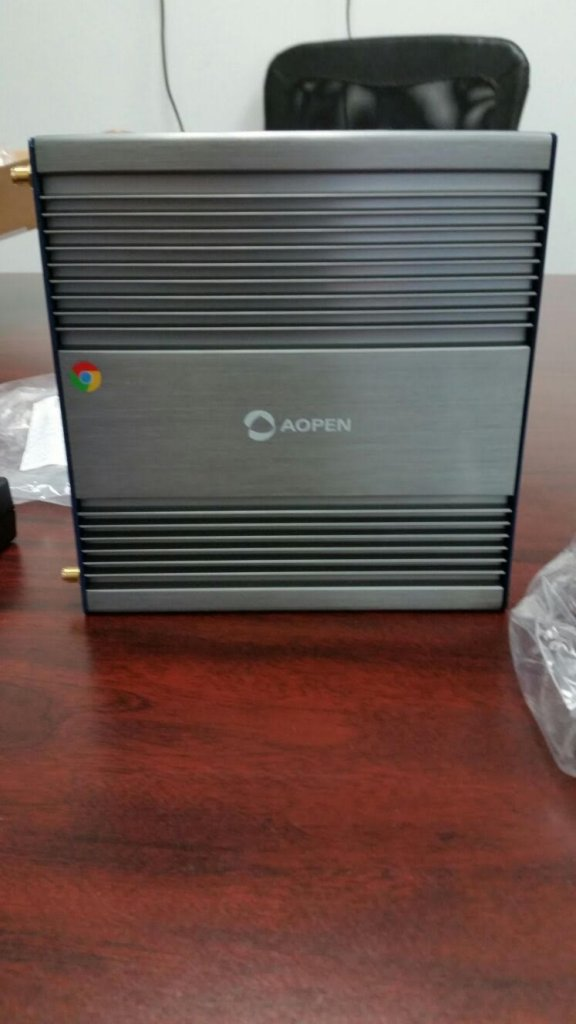Unboxing AOpen Chromebox step 7