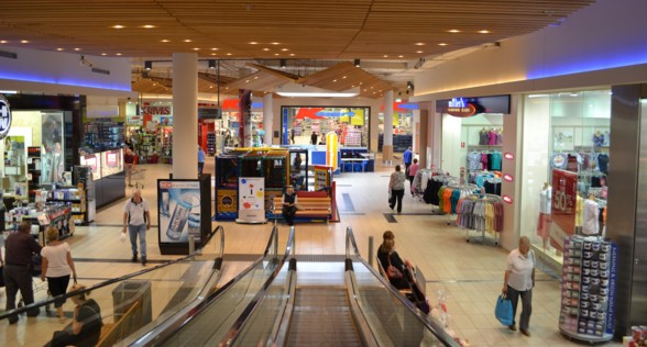 Digital signage for shopping malls
